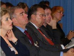 Bundestags- und Landtagsabgeordnete beim Fachtag im September 2006 in Neuruppin (Foto: Aktionsbündnis)