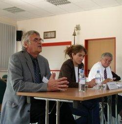 Wolfram Hülsemann (li.) mit Anna Spangenberg (Aktionsbündnis) und dem Rheinsberger Bürgermeister Manfred Richter (Foto: Aktionsbündnis)