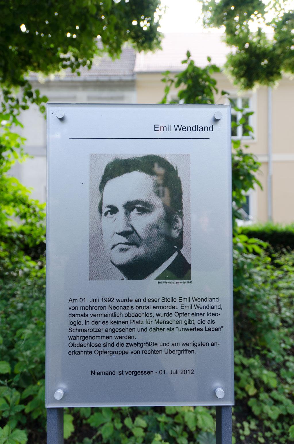 Gedenktafel für Emil Wendland in Neuruppin: »Niemand ist vergessen!« (Foto: Opferperspektive)